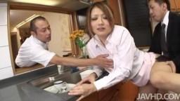 無修正動画-野外の女王大槻ひびき~二穴同時姦